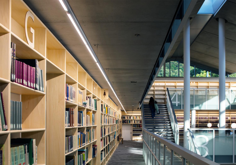 京都女子大学図書館_12